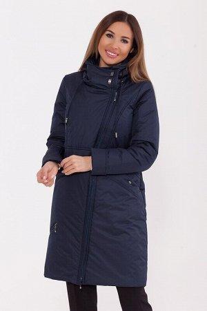 Пальто Описание: Прямое зимнее пальто длиной по колено. Ассиметричная молния закрыта узкой планкой. Интересный капюшон с фигурными строчками и кулиской- затяжкой. На правой полочке расположен удобный