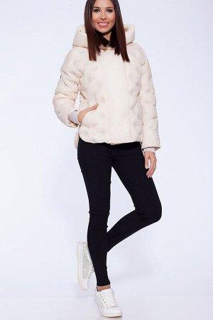 Куртка Описание: Утепленная двубортная весенняя куртка из стеганой ткани с использованием технологии термостёжка в оригинальный «горошек». Легкая и уютная, с удобным капюшоном и трикотажными манжетами