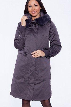 Пальто Описание: Свободный крой и длина до колен. Простота и симметрия линий добавляют изделию строгости, которая смягчается ненавязчивым декором – в виде хлястика с фирменной пуговкой по низу рукава.
