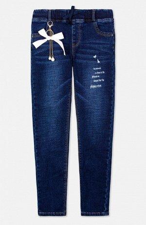 Брюки Описание: Брюки текстильные джинсовые утепленные для девочек. Джинсы для девочки – основа повседневного гардероба.  Внутри мягкая текстура – начес. Модель прилегающего силуэта с высокой посадкой