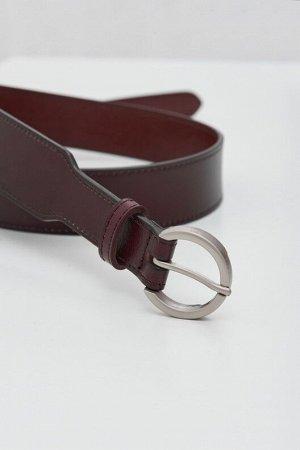 Акцентный кожаный ремень с круглой пряжкой TOPTOP STUDIO