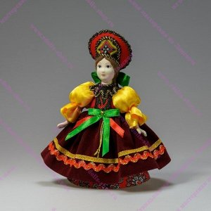Сувенирная кукла в широком сарафане