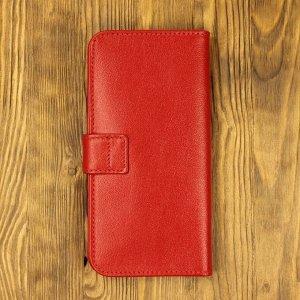 Клатч Клатч изготовлен  из высококачественной натуральной телячьей кожи. Внутри клатча есть удобные карманы для купюр, пластиковых карт, визиток. Также имеется отдельный карман для монет на молнии.