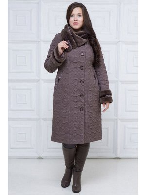 Пальто Пальто прилегающего силуэта с отделкой из двух видов искусственного меха (мутон и каракуль). Воротник ассиметричный, стояче-отложной. Конец воротника с левой стороны фиксируется на пришивную кн