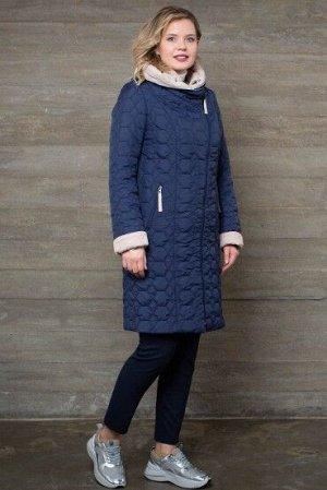 Пальто Пальто женское из плащевой стеганой ткани с водоотталкивающей пропиткой.  Рост: 168 Силуэт: полуприлегающий Размерная сетка: соответствует размеру Утеплитель: нет Застежка: молния Длина по спин