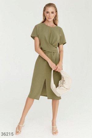 Платье-миди с эффектной драпировкой