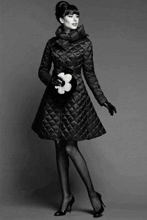 Куртка Итальянская модель куртки Наполнительно холлофайбер Длина 90см