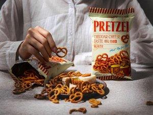 """Претцели  со вкусом сыра чеддер """"Самджин"""", 85 гр"""