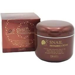Интенсивно восстанавливающий крем для лица с муцином улитки  Jigott Snail Reparing Cream