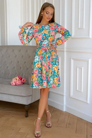 Платье Платье с расклешенной юбкой в самых сочных летних цветах. Популярный фасон будет уместен на любом мероприятии. Изделие запросто скроет недостатки фигуры и придаст уверенности в себе. Комфортный