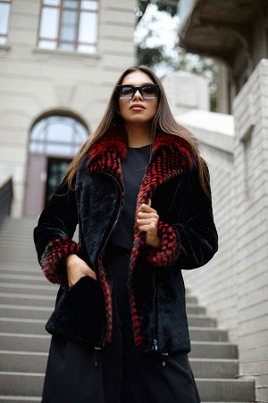 Куртка овчина, комбинированная с норкой. Отделка из чернобурки