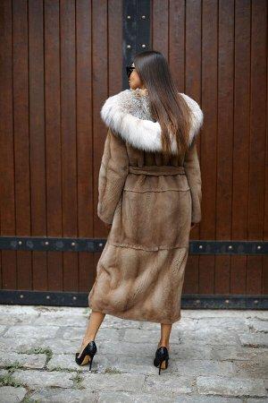 Пальто из норки цвет pastel c отделкой рыси
