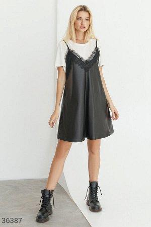Кожаное платье-мини в бельевом стиле