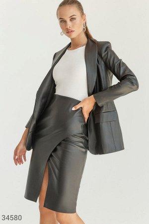 Однобортный женский пиджак