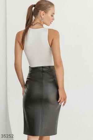 Трендовая юбка-карандаш из кожи