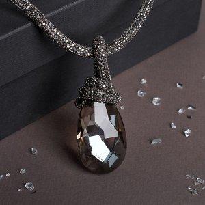 """Кулон на декоративной основе """"Сокровище"""" крупный кристалл, цвет белый в сером, 50см"""