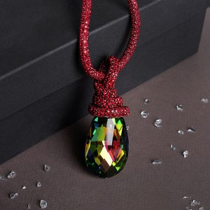"""Кулон на декоративной основе """"Сокровище"""" крупный кристалл, цвет бензиновый в красном, 50см"""