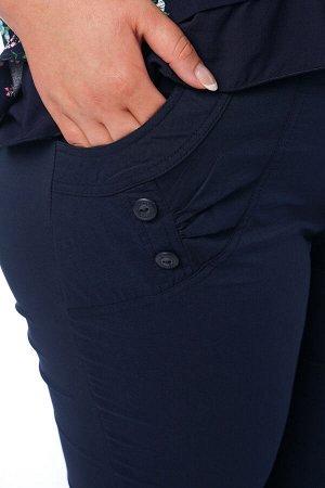 Брюки-2638 Модель брюк: Прямые; Материал: Бенгалин; Фасон: Брюки Брюки бенгалин синие Брюки-стрейч прямого силуэта выполнены из мягкой легкой ткани. Отлично сидят за счет эластичной резинки на поясе.