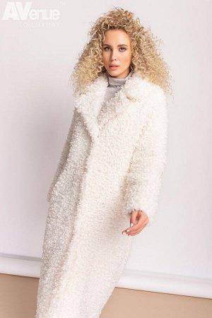 Пальто Утепленное длинное пальто из эко-меха Керли, который известен своими мелкими пористыми локанами. Шуба свободного кроя с длиной ниже колена, заужена к низу. У модели присутствует анлийский ворот