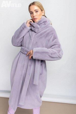 Пальто Утепленное длинное пальто иэ эко-меха свободного силуэта с поясом и цельнокроеным рукавом. Дизайнерское решение - теплый мягкий воротник на кнопке в виде снуда.  Пальто рассчитано на темпетарат