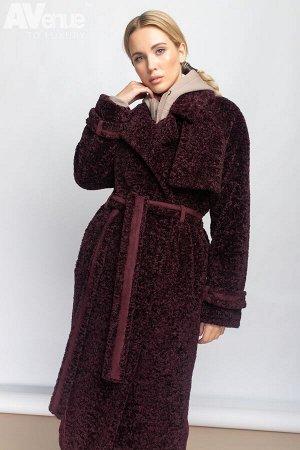 Пальто Удлиненная шуба из эко-меха прямого силуэта со спущенной линией плеча. Английский воротник, рукава с отворотами и накладные карманы с клапанами создают стильный образ современной женщины. Шуба