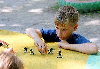 Gerdavlad. Активные игры на улице — Трансформеры, Роботы, Солдатики — Роботы, воины и пираты