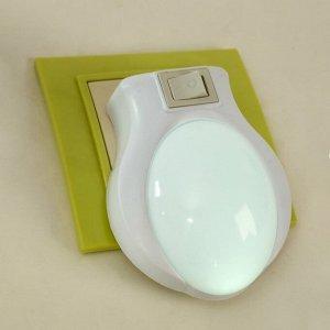"Ночник пластик от сети ""Лунный свет"" белый 9х7х3.5 см"