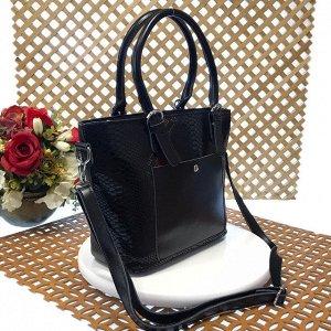 Женская сумочка Estate из натуральной кожи чёрного цвета.