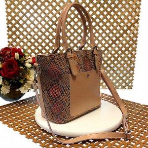 Женская сумочка Estate из натуральной кожи персикового цвета.