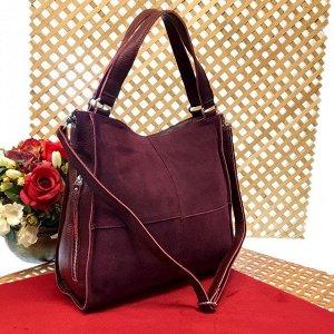 Вместительная сумка Inter_Suare формата А4 из натуральной замши и натуральной кожи винного цвета.