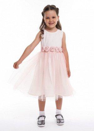 Платье Состав: 100% ПА.  Цвет: персиковый.   Подробнее: Нарядное платье с пышной многослойной юбкой из сетки. Отделано декоративным поясом из атласа с крупными цветами впереди.