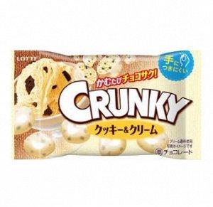Шоколадное драже Crunky с начинкой из печенья, Lotte, 32 гр. 1/10/120
