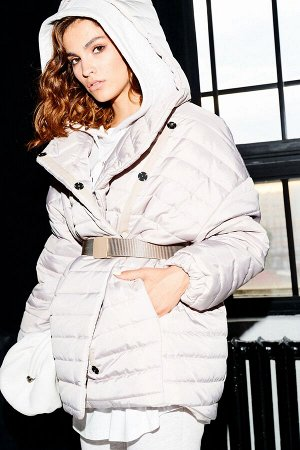 Куртка женская свободного силуэта с капюшоном