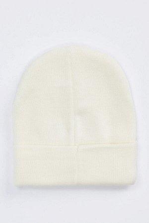 шапка Размеры модели: рост: 1,88 грудь: 95 талия: 70 Надет размер: STD  Акрил 100%