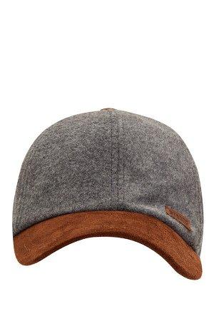 шапка Размеры модели: рост: 1,88 грудь: 98 талия: 80 бедра: 98 Надет размер: STD  Полиэстер 35%, Акрил 39%, Хлопок 18%, Вискоз 8%