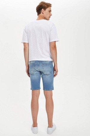 шорты Размеры модели: рост: 1,89 грудь: 98 талия: 76 бедра: 96 Надет размер: 30 Elastan 2%, Хлопок 98%