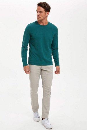 брюки Размеры модели: рост: 1,89 грудь: 100 талия: 81 бедра: 97 Надет размер: размер 30 - рост 32 Elastan 3%, Хлопок 97%
