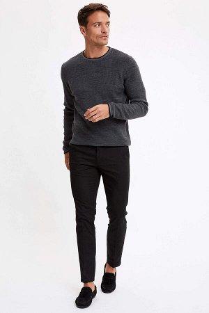 брюки Размеры модели: рост: 1,89 грудь: 100 талия: 81 бедра: 97 Надет размер: размер 30 - рост 30  Хлопок 98%,Elastan 2%