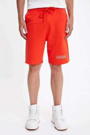 шорты Размеры модели: рост: 1,89 грудь: 98 талия: 76 бедра: 96 Надет размер: M  Хлопок 100%, Полиэстер 0%