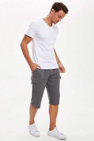 шорты Размеры модели: рост: 1,89 грудь: 100 талия: 81 бедра: 97 Надет размер: M  Полиэстер 50%, Хлопок 50%
