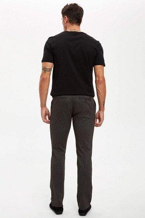 брюки Размеры модели: рост: 1,89 грудь: 100 талия: 81 бедра: 97 Надет размер: размер 30 - рост 32  Хлопок 68%,Elastan 1%, Полиэстер 31%