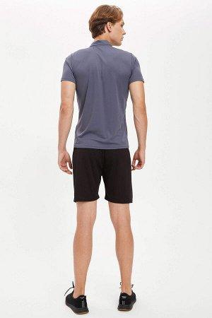 шорты Размеры модели: рост: 1,86 грудь: 97 талия: 74 бедра: 96 Надет размер: M  Полиэстер 100%