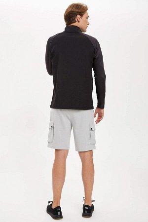 шорты Размеры модели: рост: 1,86 грудь: 96 талия: 82 бедра: 94 Надет размер: M  Полиэстер 57%, Хлопок 43%