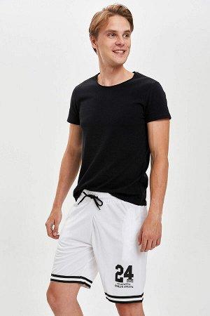 шорты Размеры модели: рост: 1,89 грудь: 98 талия: 76 бедра: 96 Надет размер: M  Полиэстер 100%