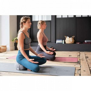 Топ для динамической йоги удлиненный бесшовный серый узорчатый domyos