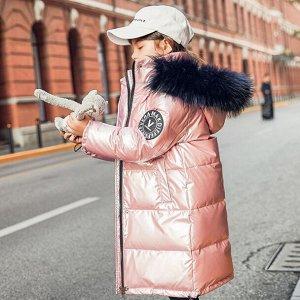 Пуховик Солнечное лето подошло к концу, и многие мамочки уже задумываются о покупке зимней верхней одежды для детей. Незаменимым, на наш взгляд, предметом детского гардероба является тёплый пуховик, к