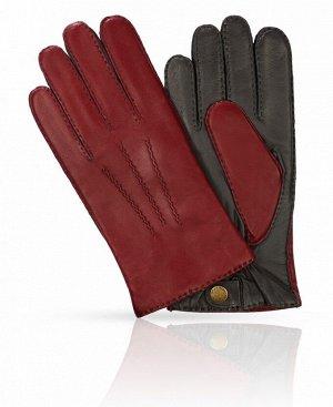 Перчатки С первого взгляда на эти перчатки ясно: они сделаны не для скромника. Сочетание цветов бордо и графита отлично рифмуется с одеждой с дерзкими принтами, фактурными узорами, клеткой, грубой вяз