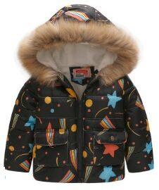 Утепленная джинсовая куртка с меховой опушкой на капюшоне
