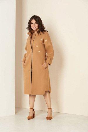 Пальто Пальто Andrea Style 00274 беж  Состав ткани: ПЭ-98%; Спандекс-2%;  Рост: 170 см.  Удлиненное женское пальто на подкладке изготовлено из текстильного ворсового полотна –драпа. Силуэт паль