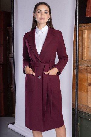 Пальто Пальто ЮРС 19-872/7  Состав ткани: ПЭ-46%; Шерсть-17%; Акрил-37%;  Рост: 164 см.  Пальто относится к классическим и базовым вещам, оно должно быть в гардеробе у каждой леди. Простые линии позв